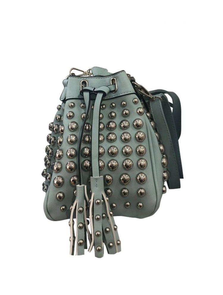 τσάντα με στρογγυλά τρουκς