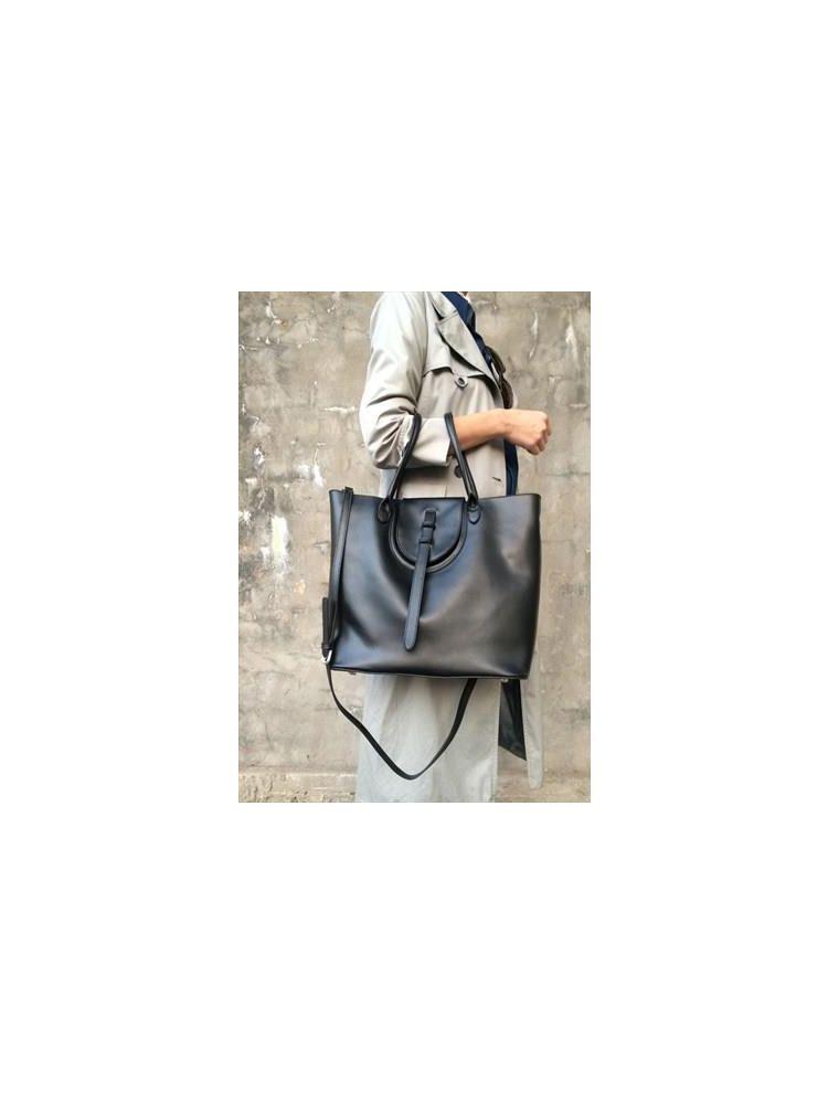 Μονόχρωμη δερμάτινη τσάντα LIMITED EDITION