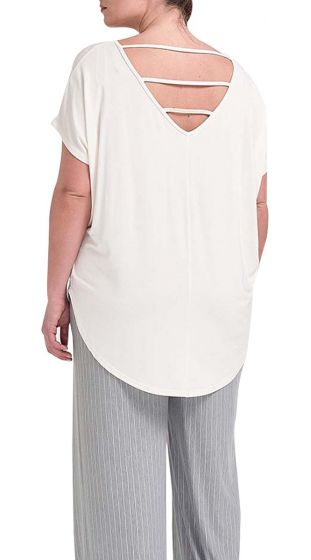 Basic Top με Cut Out στην Πλάτη