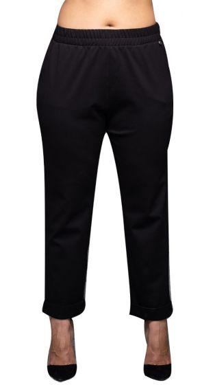 Μονόχρωμο παντελόνι με λάστιχο στη μέση